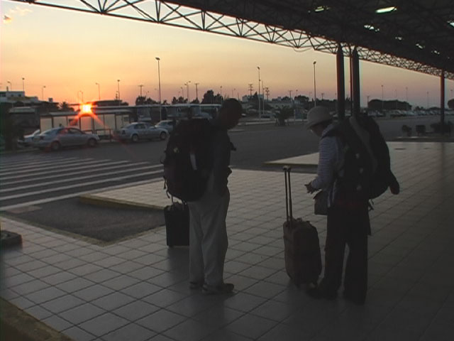 0922cos-airport.jpg